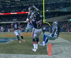 Alshon Jeffery got both feet in while making this ridiculous catch against Dallas. (ESPN/NFL)