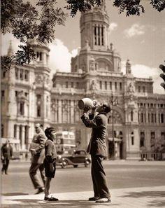 Francesc Català-Roca - Plaza Cibeles, Madrid, 1950s.