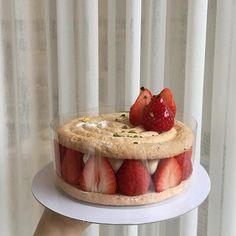 I want strawberry cake