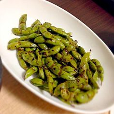 簡単なのに美味しいです(≧∇≦) リピします☆ - 13件のもぐもぐ - 指まで美味し~枝豆のオイスターソース焼き by fenderjapan