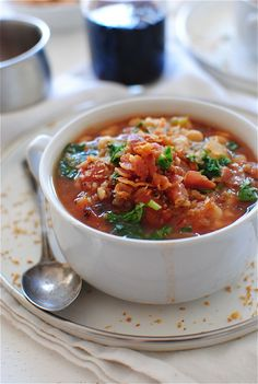 Slow Cooker Smoky White Bean Soup _ With French White Coco Beans. Also with tomatoes, onions, carrots, & celery. Serve with breadcrumbs, parsley & crispy pancetta! Cooks Slow Cooker, Slow Cooker Recipes, Soup Recipes, Yummy Recipes, Crock Pot Soup, Crock Pot Cooking, White Bean Soup, White Beans, Legumes Recipe