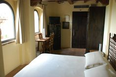 Deluxe Room Del Cardinale - a nice view on the countryside, entrance from the internal stairway of the castle, 1st floor.