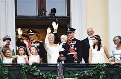 On the balcony; wedding of Crown Prince Haakon of Norway and ms. Mette-Marit Tjessem Høiby, August 25th 2001