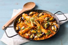 This paella recipe is a true Spanish classic given a luxurious twist from the inclusion of langoustines. Spanish Cuisine, Spanish Dishes, Spanish Food, Spanish Recipes, Clam Recipes, Seafood Recipes, Canapes Recipes, Tapas Recipes, Cooking Recipes