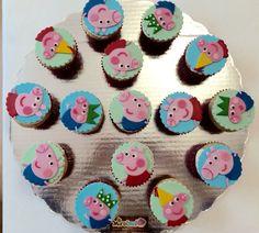 Peppa Pig cupcakes. Fondant topper.