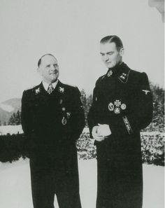 Max Wünsche with Sepp Dietrich, in the snow