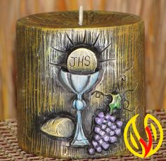 YLEANA CANDLES: Recuerditos Primera Comunión y Bautizo Candle Art, Christmas Tree Decorations, Communion, Candlesticks, Bottle Opener, Hand Carved, Decoupage, Diy And Crafts, Candle Holders