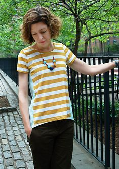 High Low T-Shirt Tutorial - great tutorial showing how to use a standard tshirt pattern to create a pattern with the side seams moved forward to create a slimming effect
