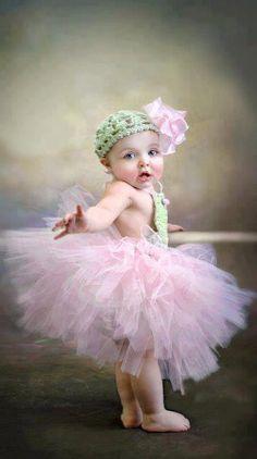 little ballerina Left hand on the barre