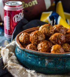 Dr Pepper Meatballs with Sriracha Fried Mac & Cheese Balls Go Go Go Gourmet Slow Cooker Recipes, Crockpot Recipes, Cooking Recipes, Casserole Recipes, Appetizer Recipes, Dinner Recipes, Appetizers, Dessert Recipes, Fried Mac And Cheese