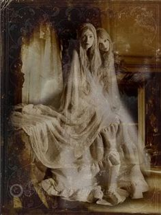 fantasy art women photo: Fantasy Women Ghosts l_96cda6f3b7a44e8caeb6e4c310d08a9b.jpg