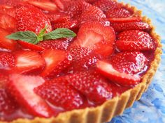 Refrigerated Strawberry Cheesecake – A gorgeous dessert for Mother´s Day Peruvian Desserts, Peruvian Dishes, Peruvian Recipes, Cheesecake Tarts, Strawberry Cheesecake, Dominican Recipes, Mini Tart, Vanilla Cookies, Sweet Recipes