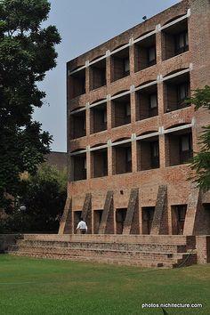 IIM-Ahmedabad-LouisKahn-014