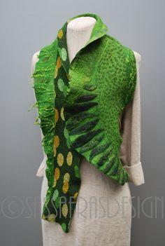 Extravagante Hand Gefilzte Schal mit von sassafrasdesignl auf Etsy