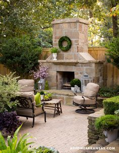 31 Fabulous Outdoor Fireplace Ideas You Should Copy Now - Are you interested in an outdoor firepit? An outdoor fireplace can be an amazing attraction on your patio, or use anywhere in the yawn. Outdoor Fireplace Patio, Outside Fireplace, Outdoor Fireplace Designs, Outdoor Fireplaces, Fireplace Ideas, Outdoor Rooms, Outdoor Gardens, Outdoor Living, Outdoor Decor