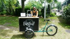 Cold brew & Draft latte on wheels. From Paquebot coffee in Montreal. #trike #paquebotcafe #coldbrewbike