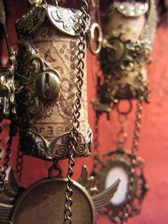 Altered Wine Cork Ornaments - ORGANIZED CRAFT SWAPS