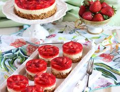 The BEST spring and summer dessert ever. Easy Strawberry Pretzel Salad Cheesecake will be the hit of any party. Salty, sweet, creamy perfection!