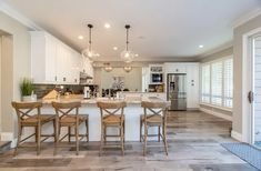 Improving Your Home on a Budget - Beauty and the Mist Kitchen Area Rugs, Kitchen Decor, Wooden Kitchen, Replacement Kitchen Doors, Best Flooring For Kitchen, Love Your Home, Kitchen Trends, Kitchen Ideas, Kitchen Designs