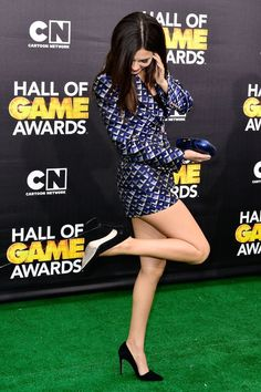 Victoria Justice Spicy Photos at Annual Hall of Game Awards ~ Desi Girls, Celebrities, News Victoria Justice, Hall Of Game, Vicky Justice, Non Blondes, Great Legs, Brunette Beauty, Female Poses, Sexy Heels, High Heels