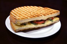 Moje cukrářství - zapečený toast Sandwiches, Toast, Food, Essen, Meals, Paninis, Yemek, Eten
