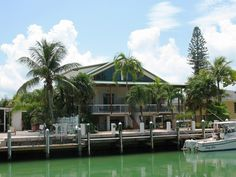 Get a taste of island life and all that Key Colony Beach has to offer when you rent the vacation gem.