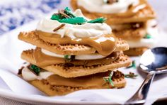 A new take on the old SA family favourite, peppermint tart. Easy Desserts, Delicious Desserts, Crisp Sandwiches, Peppermint Crisp, Pancake Cake, Recipe Search, Food Print, Baking Recipes, Sweet Tooth