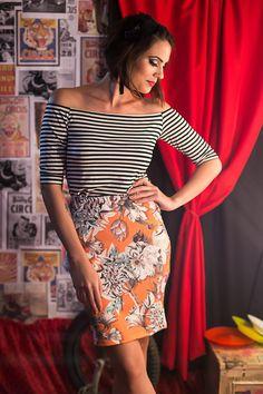 #looksly da Carol do Desafetada com blusa ombro a ombro listrada e saia floral no clima de circo da campanha de Verão 2016