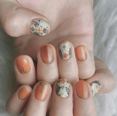 50 Trendy Fall Nail Art Design For 2019 These trendy Nail Designs ideas would gain you amazing compliments. Check out our gallery for more ideas these are trendy this year. Cute Nails, Pretty Nails, Ongles Beiges, Hair And Nails, My Nails, Fall Nail Art Designs, Nagellack Trends, Short Nails Art, Autumn Nails