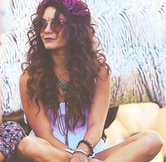 Love Vanessa Hudgen's style