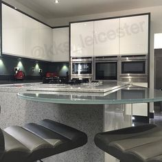 So It's Friday And It's Been A Productive Week For Us.. Hoping You've All Had The Same.. Ready For The Long Weekend!.. #kitchens #bespokekitchens #kitcheninteriors #modernkitchens #fittedkitchens #kitchentrends #kitchenislands #interiordesign #instapic #luxurykitchen #stylishkitchen #modernhomes #leicester #est1980 #fittedfurniturearchitects #glosskitchen #lacqureddoors #exclusivekitchen #inspo #ideas #designs #architecture #love #glass #quartz by kks_leicester Great design ideas for a…