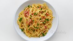 Zdanlivo jednoduché, obyčajné jedlo, ale s kvalitnými surovinami a správnou technikou vykúzlite neskutočný zážitok. Verzií na špagety carbonara je veľa. Túto ma naučili moji dvaja bývalí kolegovia z Talianska Ernesto a Lucia a vyhovuje mi najviac. Ak máte