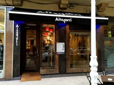 Vista exterior del bar Restaurante Aitzgorri. En la Calle Usandizaga número 20. #donostia  #sansebastian  #gros  #zurriola #pintxos