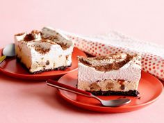 To make Cookies and Cream Ice Cream Bars, layer cookies, ice cream, caramel and whipped cream to create these decadent, layered ice cream bars.