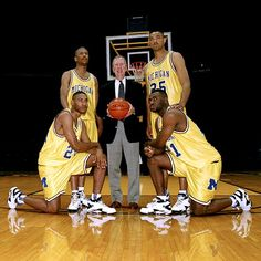 Neumann: Q&A with three of Michigan's Fab Five Basketball History, Basketball Legends, College Basketball, Michigan Wolverines Basketball, Michigan Athletics, Nba Players, Basketball Players, Your My Boy Blue, Detroit Sports
