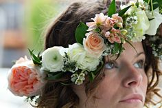 A flower crown made of garden roses, pink stock, ranunculus and so many beautiful details