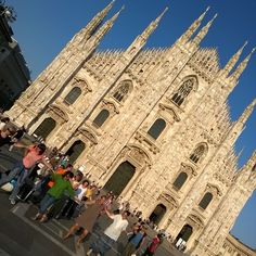 Milano per la Grecia balla in piazza Duomo