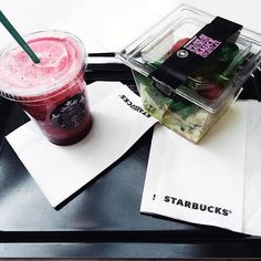 I.ى.ك. | #LANDRORIENTtravel. Even what I eat I prefer it pink, black & white. Morning live in #Paris •• ✖️#YMENEKACHAOU.  #STARBUCKS.