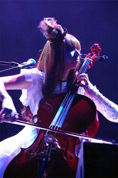 Coolest cellist ever. Kanon Wakeshima