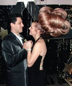 Impress Your Man with a Beautiful New Bouffant Hair Style - Epic Hairdo Fail ---- hilarious jokes funny pictures walmart humor fails Bad Hair Day, Big Hair, Your Hair, Fancy Hair, Pelo Vintage, Bouffant Hair, Vintage Hairstyles, Weird Hairstyles, Hairstyle Pics