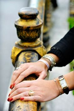Love the understated vintage jewelry and beautifully polished nails...