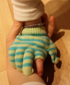 Finger Isolation to avoid accidental hit on the iPad--great idea! Could use a regular glove and modify.
