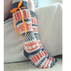 Fair Isle Knitting, Knitting Socks, Winter Socks, Knit Tie, Cute Socks, Wool Socks, Mittens, Knit Crochet, Sewing