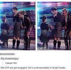 Lol haha funny pics / pictures / Hunger Games Humor / Catching Fire / Katniss / Peeta / Caesar Flickman