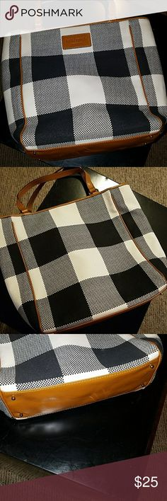 Kate Spade Bag Cute little stylish bag. Three inside pockets with one being a zip up. Checkered design. Two leather straps and leather logo. Kate Spade Bags Mini Bags