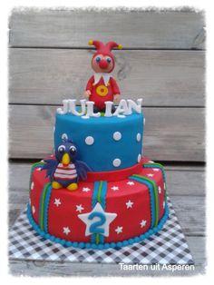 Jokie en Jet taart Cupcake Cakes, Cupcakes, Cakepops, Beautiful Cakes, Trick Or Treat, Fondant, Cake Decorating, Treats, Christmas Ornaments