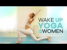 This is a 10 minute easy morning yoga routine for beginners! Start your day right with this energizing wake up vinyasa yoga flow that will focus on kick star. 10 Minute Morning Yoga, Beginner Morning Yoga, Morning Yoga Routine, 10 Min Morning Workout, Exercise Routines, Ashtanga Yoga, Vinyasa Yoga, Iyengar Yoga, Yoga Videos For Beginners