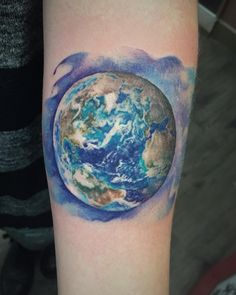 🌎 thanks Kimberly 🌍 #tattoo #earth #colourtattoo #planet #space #realism…