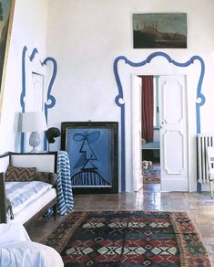 Nicola del Roscio House, Gaeta, Italy - Art by Cy Twombly - Photo by Simon Upton for World of Interiors Interior Exterior, Home Interior, Interior Architecture, Interior Decorating, Decorating Tips, Interior Design Major, Fashion Architecture, Bohemian Interior, Scandinavian Interior