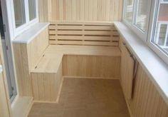 Можно обустроить балкон так, чтобы устраивать чаепития и иметь место для хранения